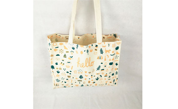 buying personalized tote bags